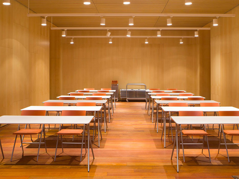 combination-of-desks-and-folding-chairs.jpg