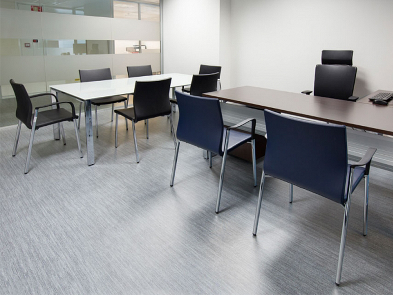meeting-rooms-have-been-furnished-with-the-vital-program-of-desks.jpg