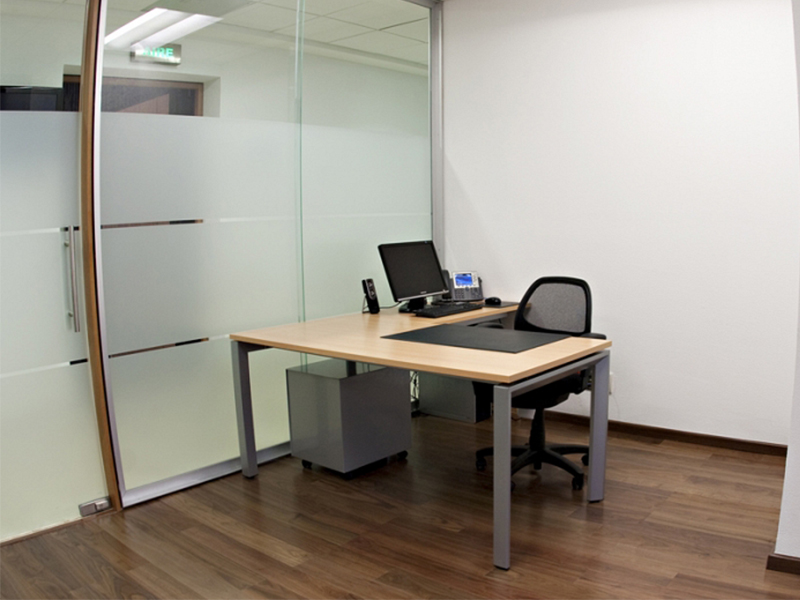 middle-management-offices-mexico.jpg