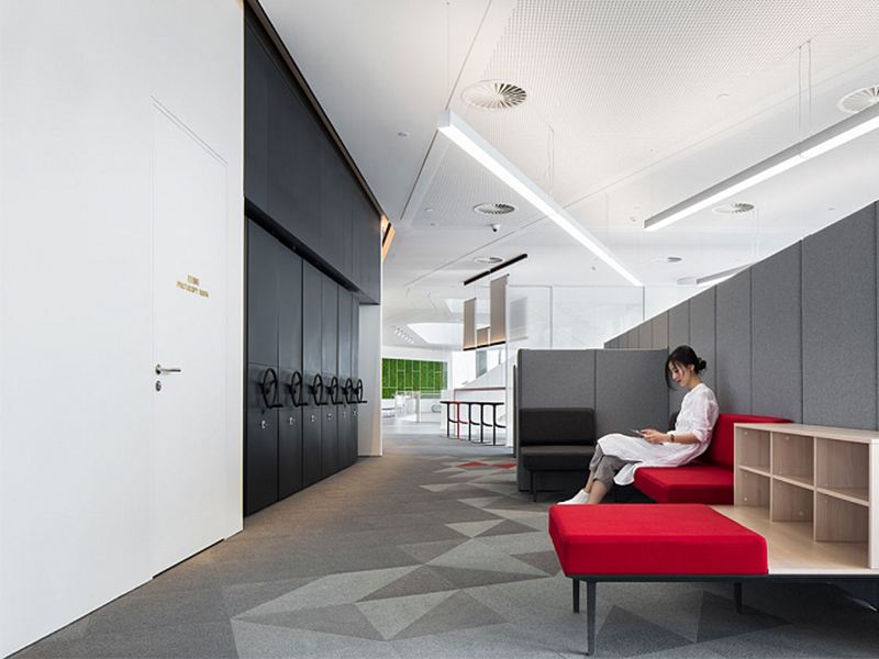 new-offices-in-partnership-with-actiu.jpg